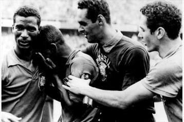 Primeira copa que o Brasil venceu, foto com Didi, Gilmar, Orlando e Pelé