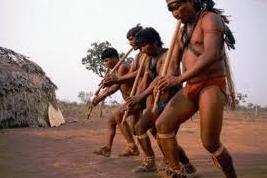 Índios tocando Toró