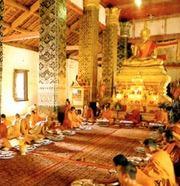 Monges rezando