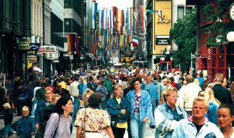 Rua onde se vende mercadorias