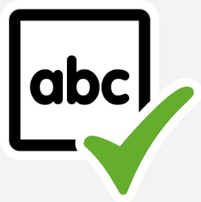 Quadro com as letras ABC.
