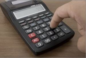 Calculadora auxiliando a contabilidade