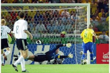 Gol de Ronal na Copa do Mundo Coreia Japão