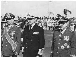 Na foto, os ministros da junta militar